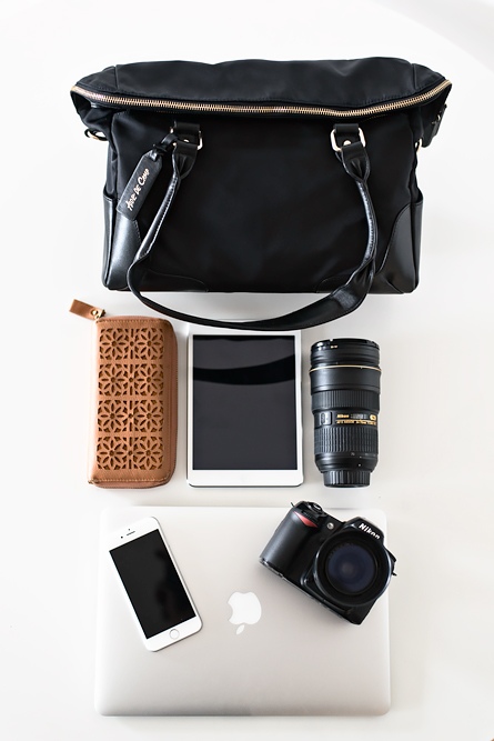 Stylish camera bag that looks like a handbag for women photographers: Leyden from Aide de Camp