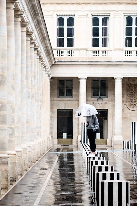 Video: How much fun is Paris when it rains? Les Deux Plateaux by Daniel Buren.