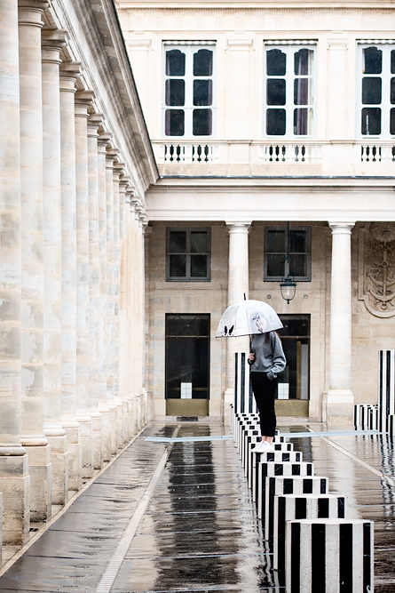 Video: How much fun is Paris when it rains? Les Deux Plateaux by Daniel Buren.